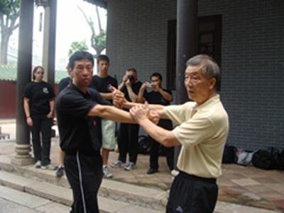 Chi Sao por el Gran Maestro Ip Ching